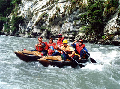 sch-redmeadow-rafting.jpg - 400x299 - 46,466 bytes - Click to close