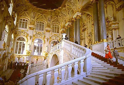 spb-hermitage2.jpg - 400x274 - 43,431 bytes - Click to close